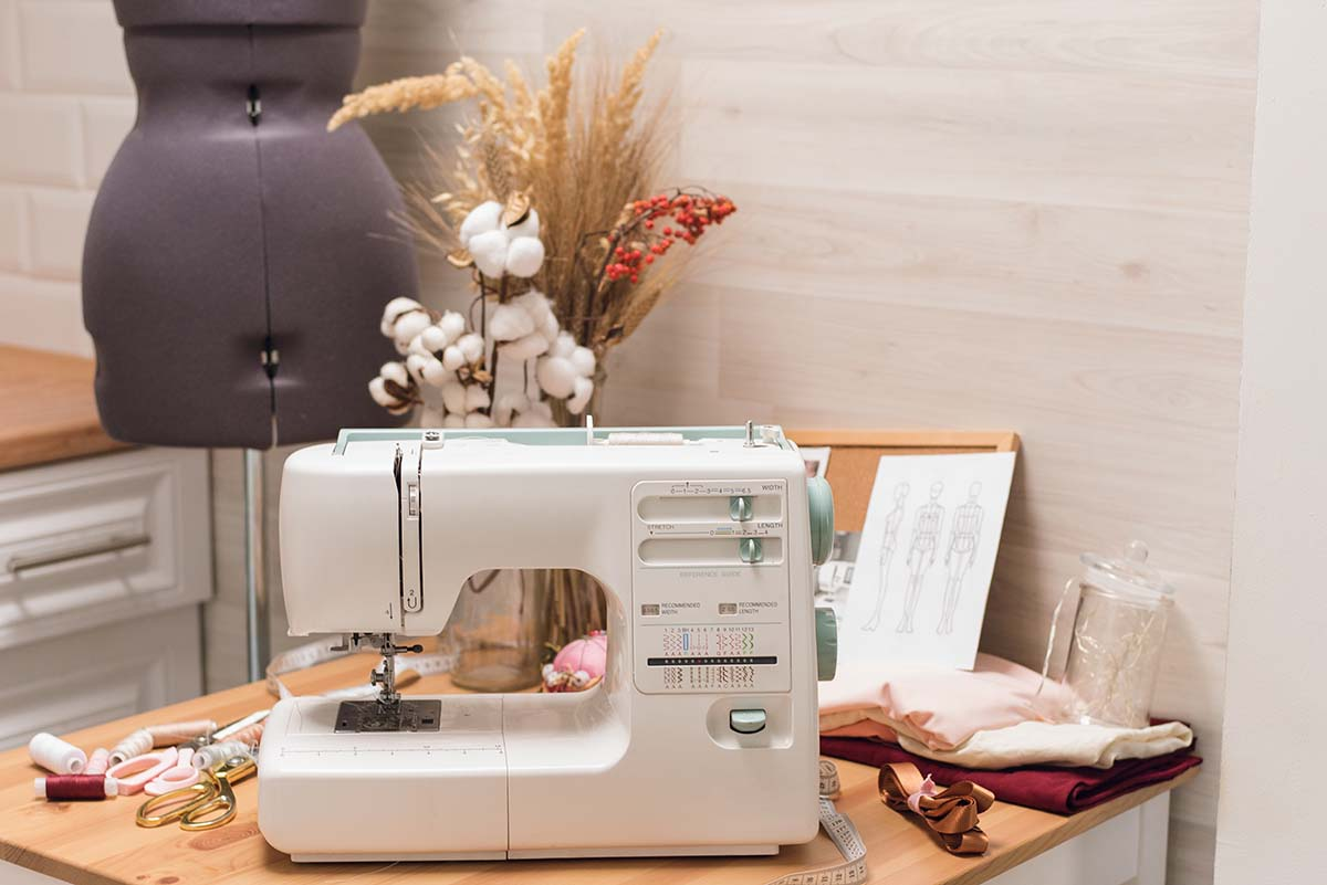 Buying a Sewing Machine for Beginners : Best Guide